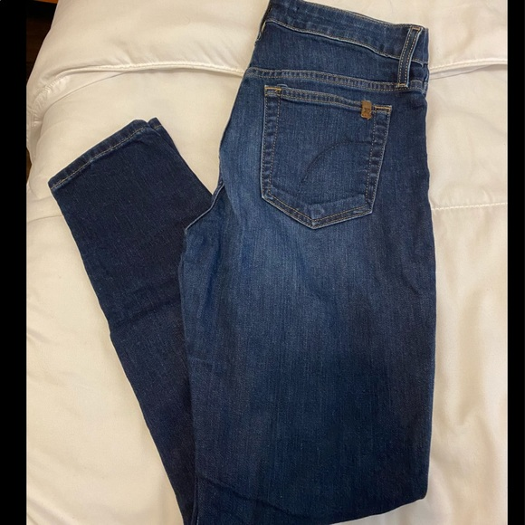Size 27 Joes Jeans.